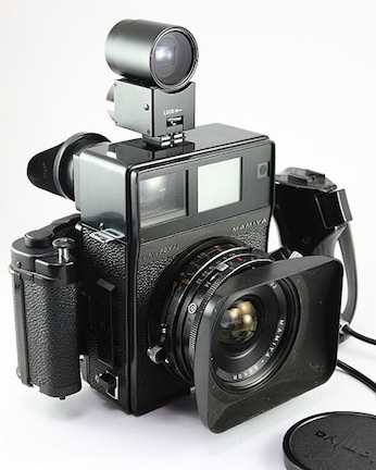 Mamiya_Universal_Super_23_50mm_f6.3_lens_with_finder_and_hood_(7159525294)